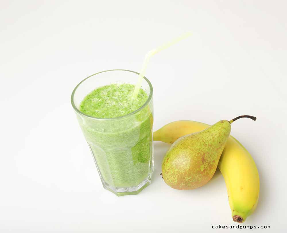 Spinach banana pear celery green smoothie