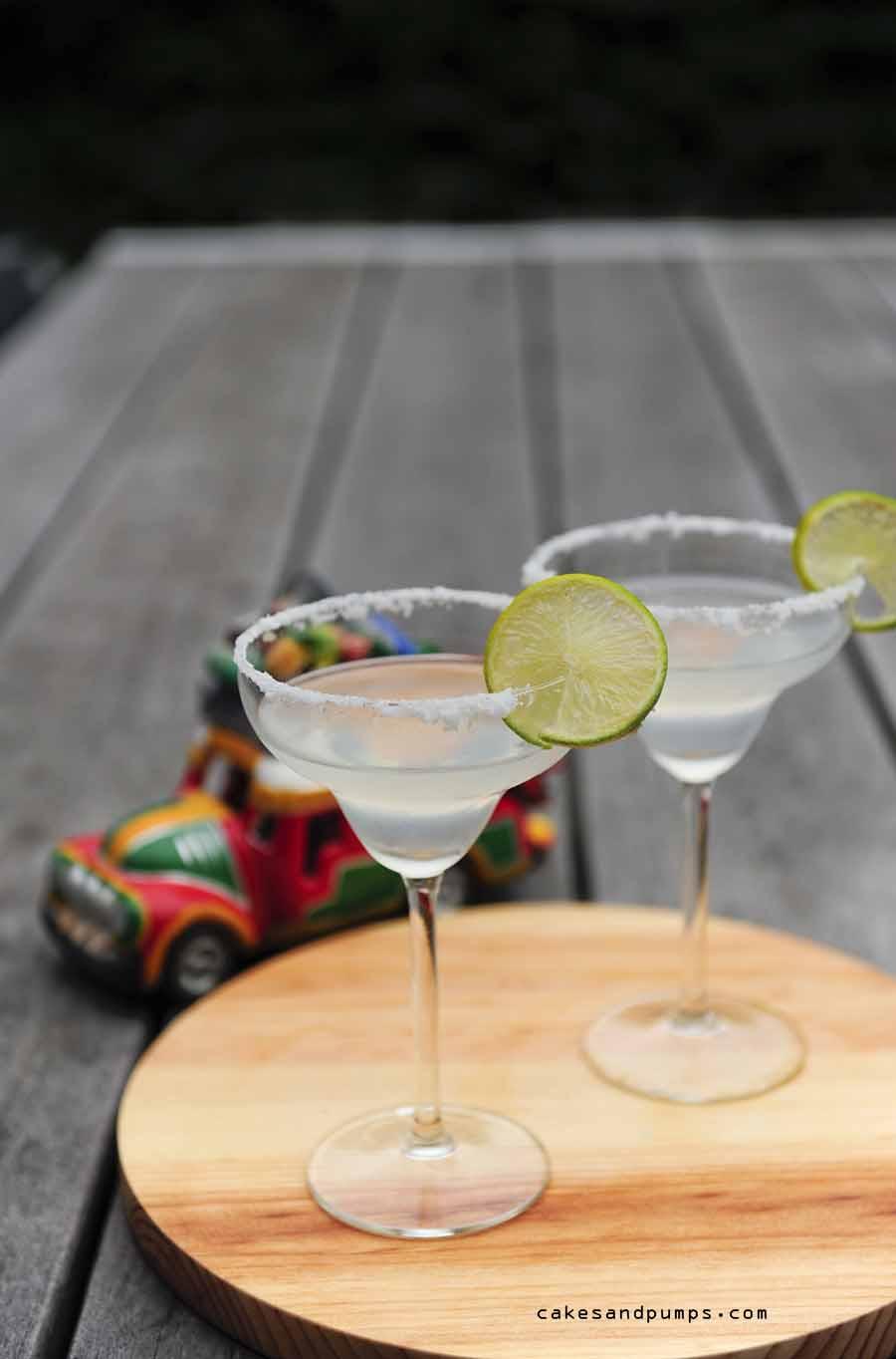 Recept voor Margarita cocktail voor cocktail Friday op cakesandpumps.com