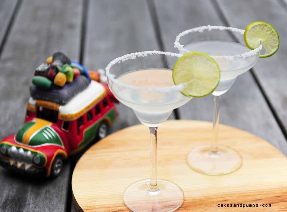 Margarita cocktail voor cocktail Friday met Tequila, recept op cakesandpumps.com