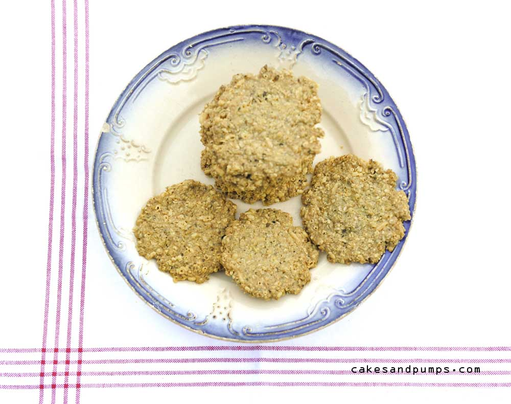 Cookies with oatmeal, cheese and basil