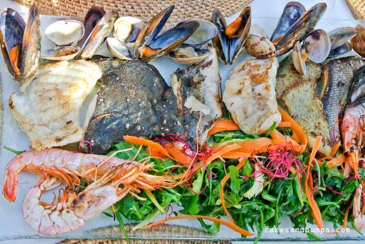 Gegrilde vis mix bij Restaurant Elements