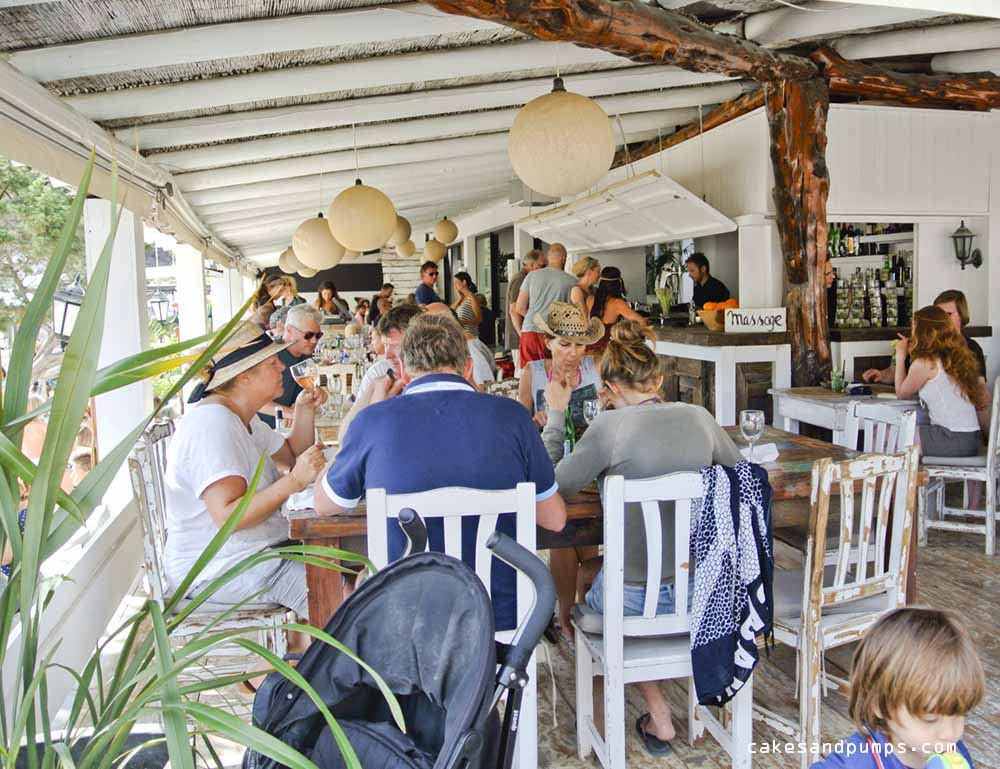 Inside view of restaurant Elements on Cala benirras