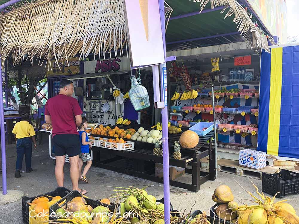 Groeten en Fruit Curacao - de fruitstal