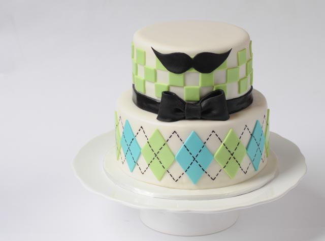 Moustache-Bowtie-Cake-1