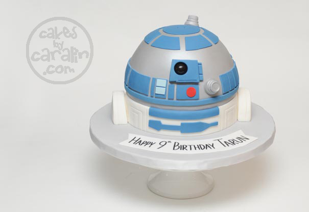 R2D2 sculpted cake from Star Wars
