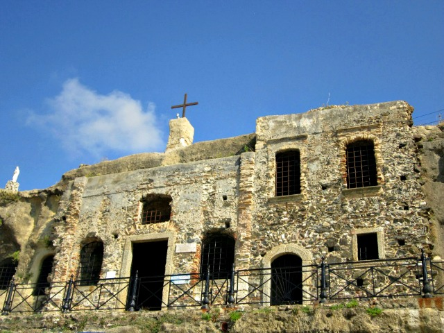 chiesa di Piedigrotta Pizzo Calabro
