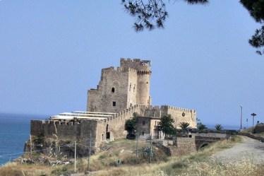 costa delgi achei castello