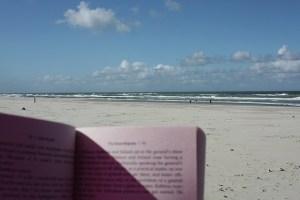 libreria da spiaggia in calabria