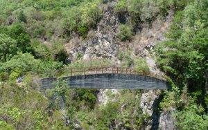 Cascate Marmarico ponte di cemento