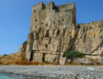Visitare il Castello di Roseto di Capo Spulico