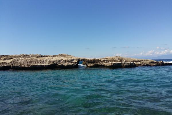 spiaggia sant irene scoglio della galea