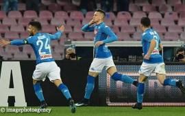Napoli-Milan 3-2: un super Zielinski e Mertens ribaltano il doppio vantaggio rossonero