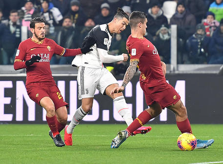 Juventus' Cristiano Ronaldo scores the 1-0 goal during the Italy Cup quarter final soccer match Juventus FC vs AS Roma at the Allianz  stadium in Turin, Italy, 22 January 2020 ANSA/ ALESSANDRO DI MARCO