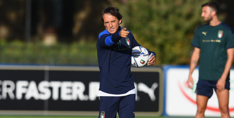 FLORENCE, ITALY - OCTOBER 05:  Head coach Italy Roberto Mancini looks on during a training session at Centro Tecnico Federale di Coverciano on October 5, 2020 in Florence, Italy.  (Photo by Claudio Villa/Getty Images)