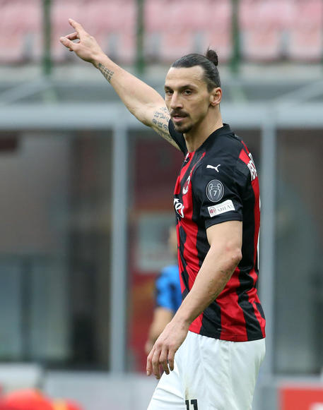AC MilanÂ?s Zlatan Ibrahimovic gestures during the Italian serie A soccer match between AC Milan and Fc Inter at Giuseppe Meazza stadium in Milan, 21 February  2021. ANSA / MATTEO BAZZI