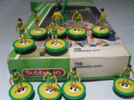 ref 709 LW Norwich City subbuteo
