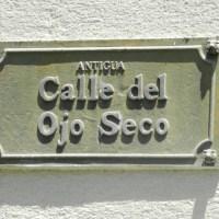 Placas de antiguos nombres de calles en Santiago Centro