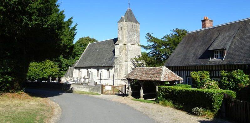 L'église de Saint-Pierre-Azif à voir