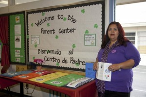 Sandra Flores, a parent volunteer for the Bakersfield City School District, helps other parents who want to learn more about the school system or acquire more strategies for helping their children. Photo: Bakersfield City School District.