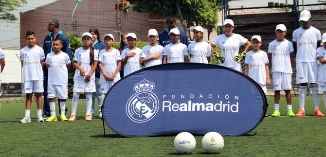 Mil niños de la Fundación Real Madrid continúan en los centros de iniciación deportiva