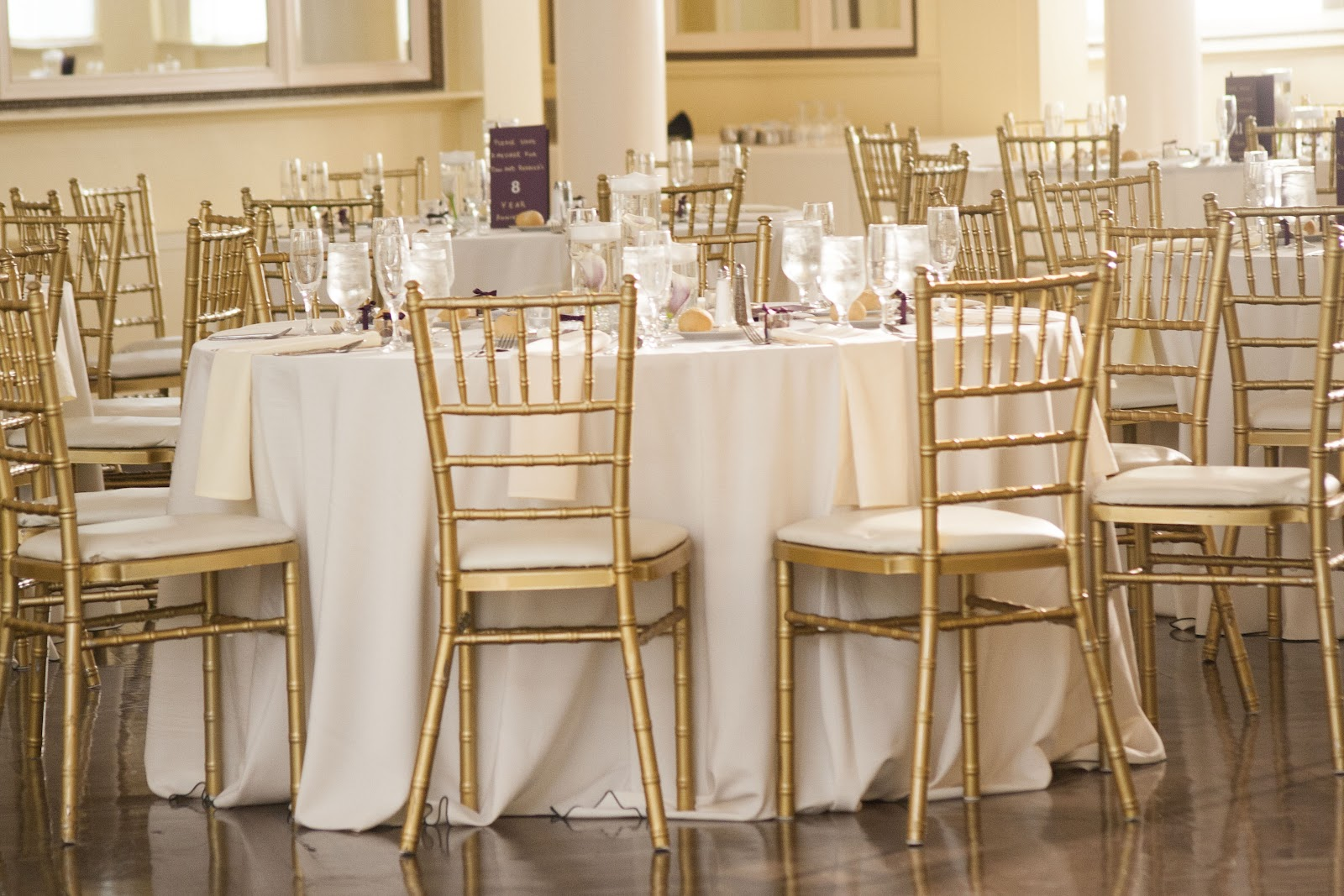 WEDDING CHAIRS Chiavari Chairs On Sale  Los Angeles