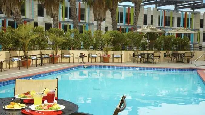 DoubleTree Suites by Hilton Hotel Santa Monica Santa