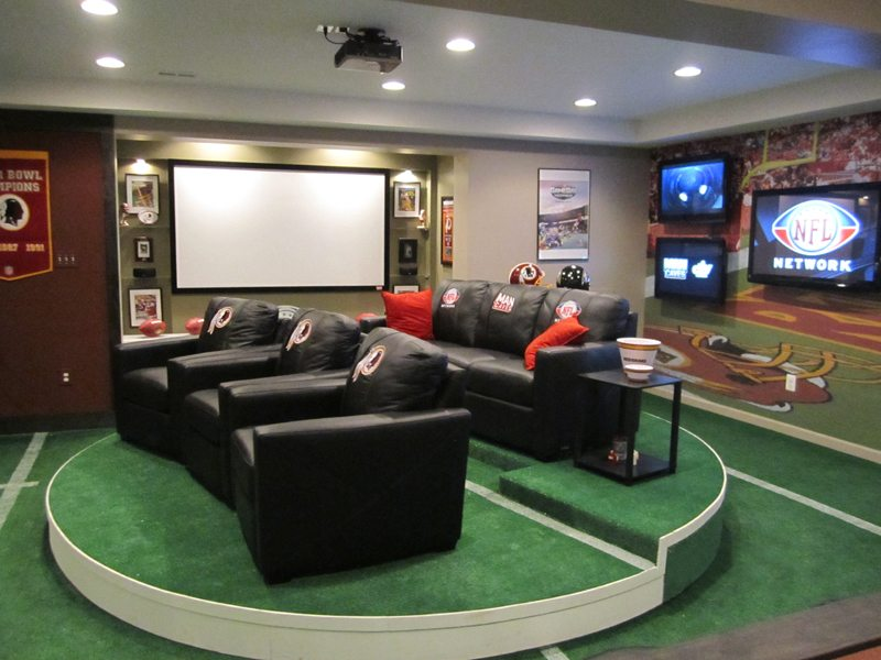 large man cave II1 Football Season Begins: How to Turn Your Home into a Party Pad