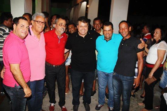 Gabriel de Zé de Zeli (nas extremidades da foto) contrariam o partido no apoio ao PT estadual e hoje nacional.