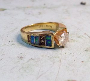 Inlay Broken Opal Ring with Diamond