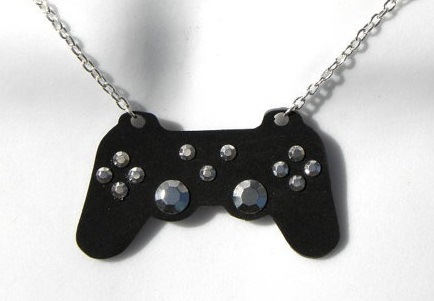 playstion-game-controller-necklace