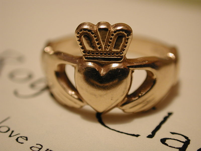 Friendship Rings - Jewelry Brings us Closer - Calla Gold Jewelry
