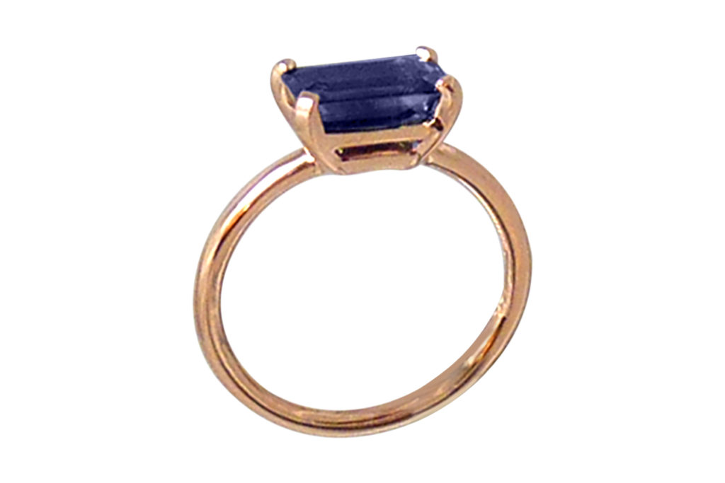 Simple-rose-gold-engagement-ring-with-blue-sapphire