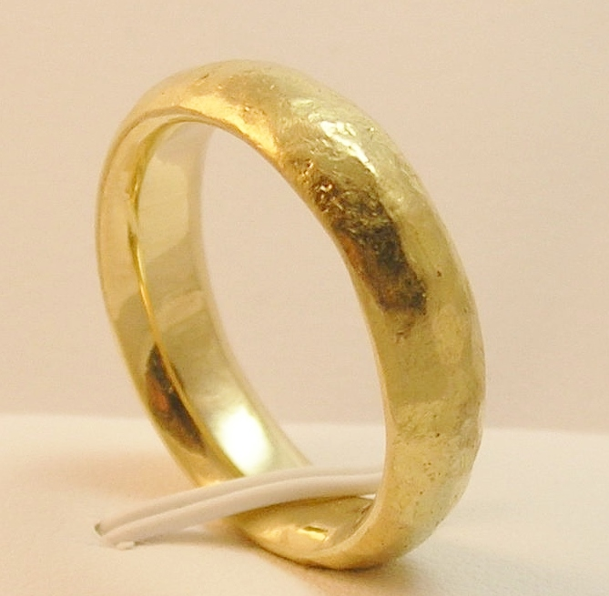 Yellow Gold comfort fit band