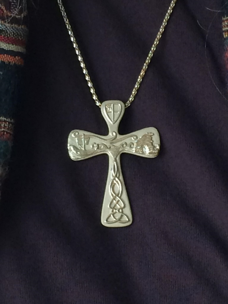 Pendant yellow gold Isle of Iona cross