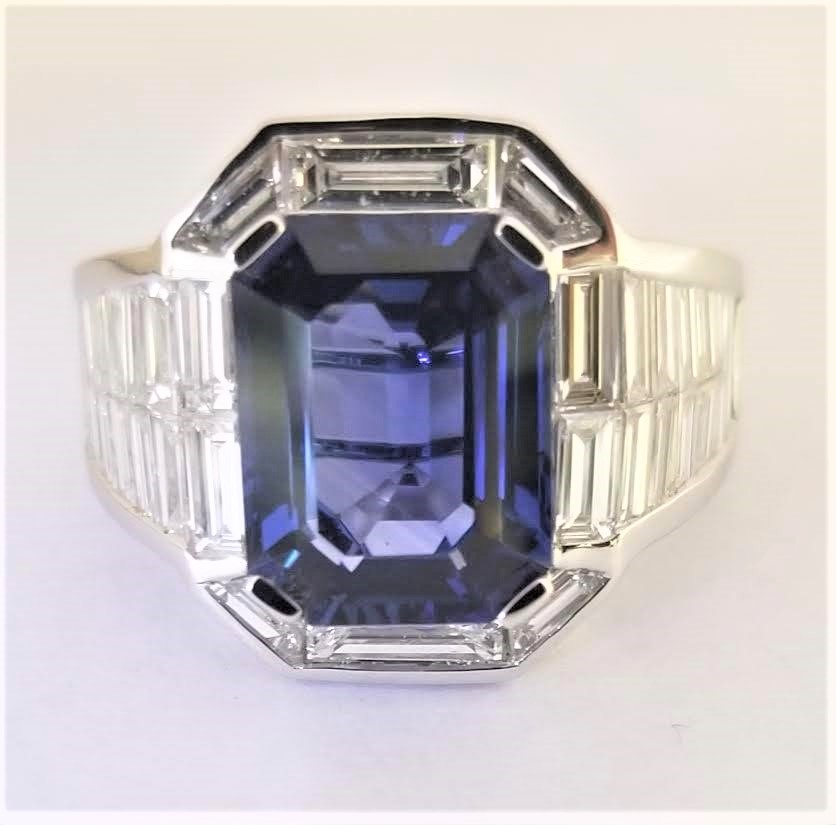 Baguette diamonds ring with tanzanite