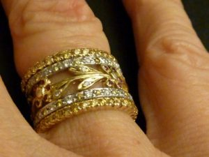 Five Stacking diamond Rings