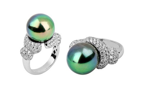 Tahitian pearl surrounded by pave diamonds ring