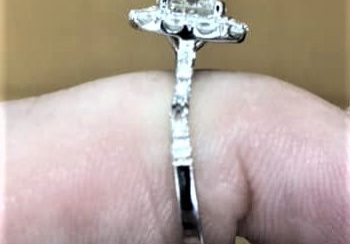 Too thin ring with a dropped diamond