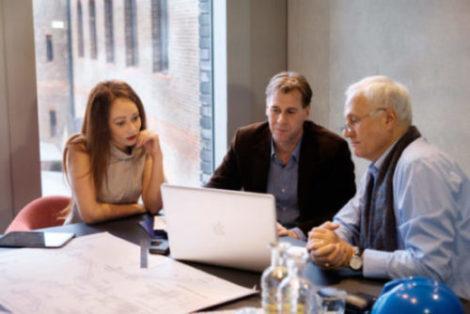 Online-Conference-Room-Laptop