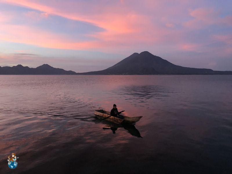 Amanecer en el Lago Atilán