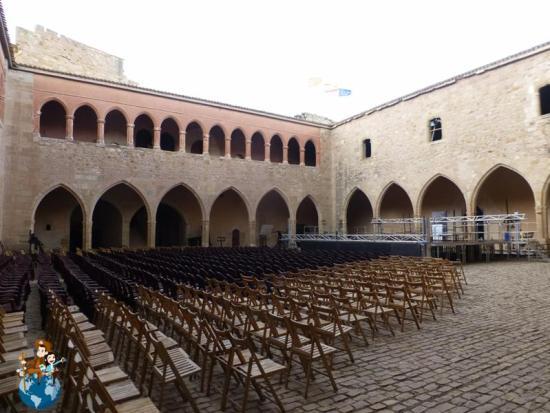 Patio de armas del Castillo Mora de Rubielos