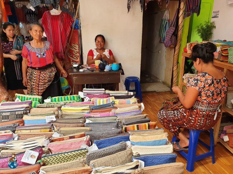 Cooperativa TextilRuk'u'x Keem en San Juan La Laguna