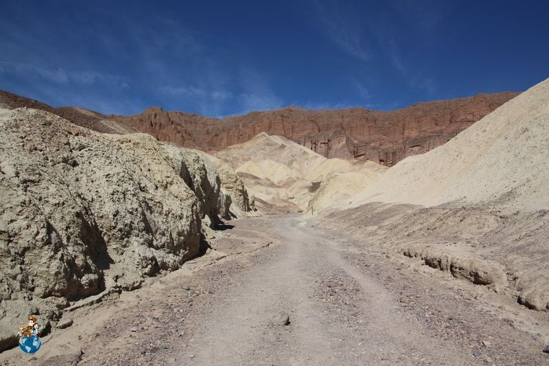 Trekking por Golden Canyon en Death Valley