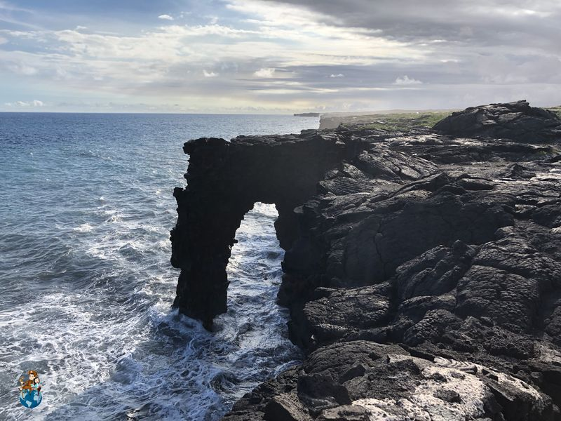Arco de mar Hōlei en Parque Nacional de los Volcanes