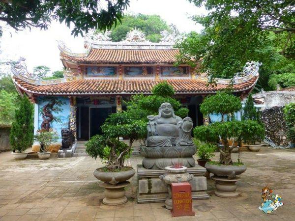 Pagoda Tam Thai