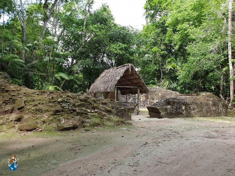 Complejo pirámides gemelas Q - Tikal