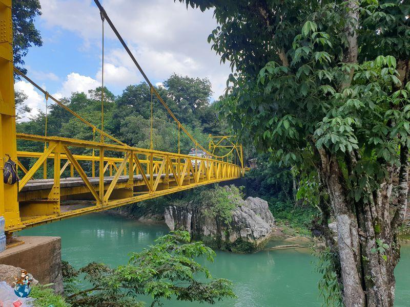Puente sobre el Río Cahabón en Semuc Champey