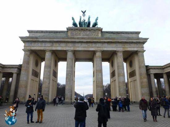 puerta-bradeburger-berlin