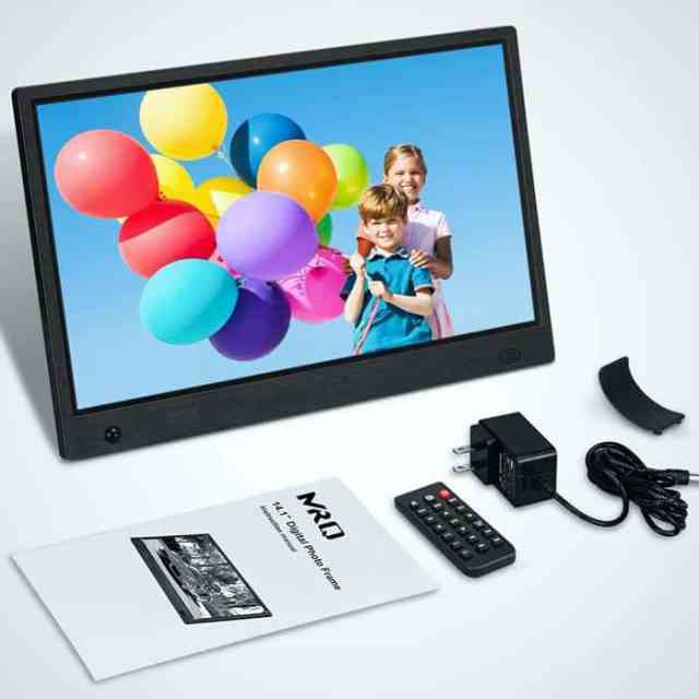 Colored pictured in the best digital picture frame with accessories