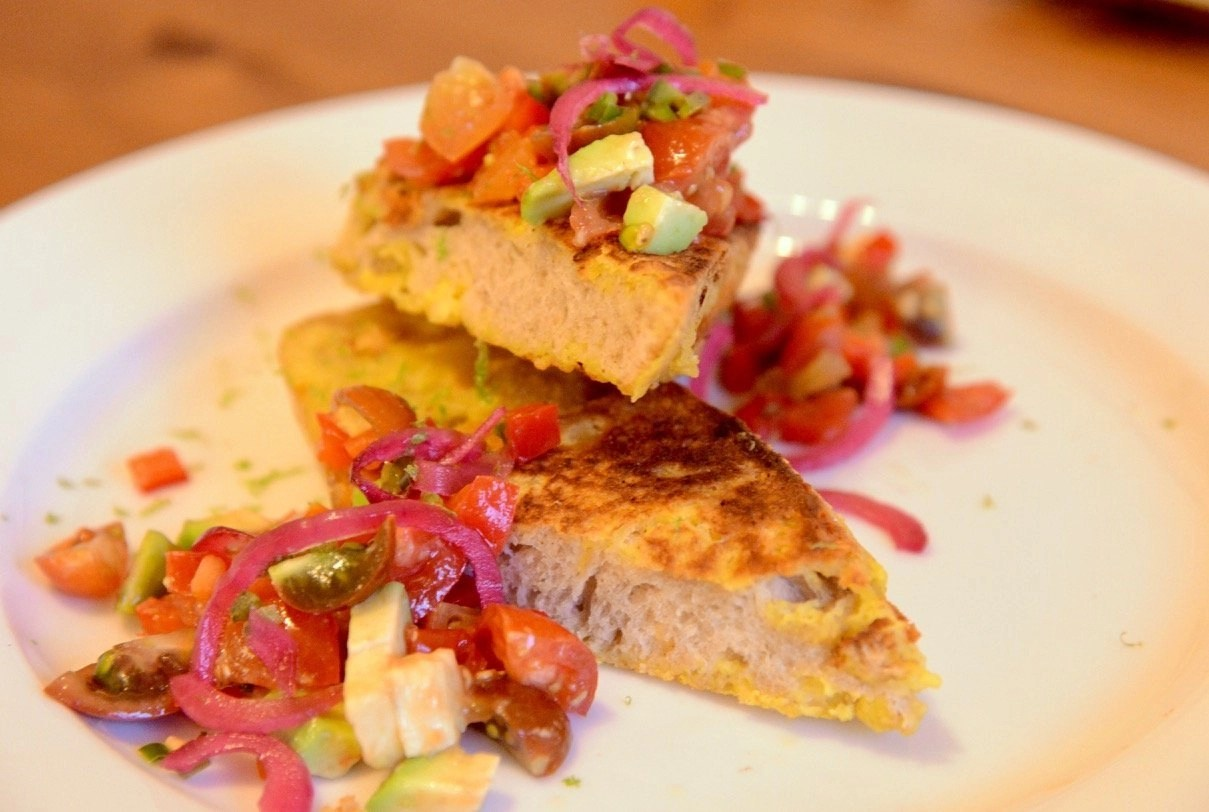 Eggy(less) Bread aka Plant-based french Toast served with a colourful tomato, onion and avocado salsa